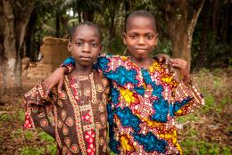 Africa;Benin;Boys;Friendship;Kaleidos;Kaleidos-images;Portrait;Tarek-Charara