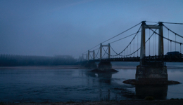 49570;Automobiles;Bridges;Cars;D15;Dawn;Departmental-road;Early;Early-Morning;Kaleidos;Kaleidos-images;Landscapes;Loire;Loire-river;Mauges-sur-Loire;Morning;River;Suspension-bridge;Tarek-Charara;Winter