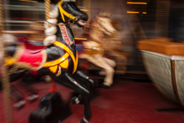 Blur;Carousel;Games;Horses;Kaleidos;Kaleidos-images;Leisures;Merry-go-round;Movement;Paris;Tarek-Charara