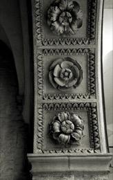 Wawel-Royal-Castle;Rosette;stone;architectural-detail;archway;Cracow;Krakow;Poland;POL;Cracovie;Lesser-Poland;Kleinpolen;Petite-Pologne;Krakau