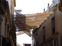 Sonnenschirm;parasol;faz-face-sol;rimedia-sole;preve-sol;avoid-sun;wehren-Sie-ab-Sonne;pare-soleil;Stadt;city;ciudad;città;cidade;ville